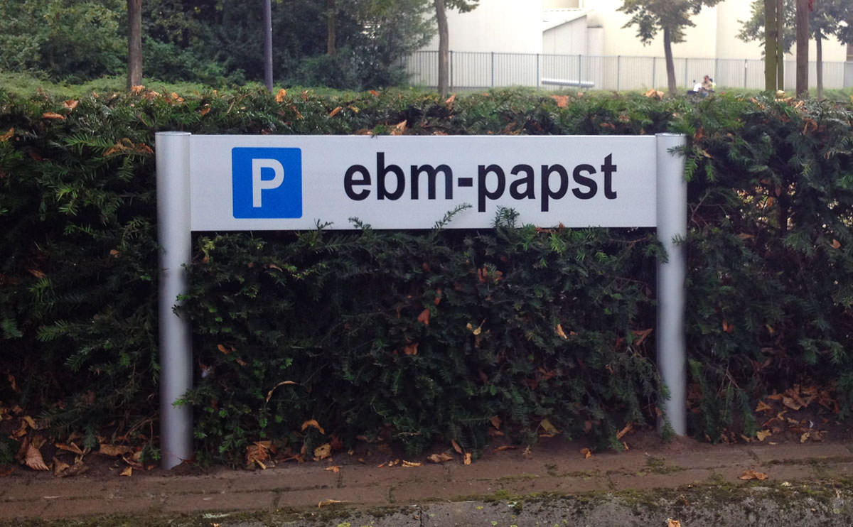 Signz-Belettering-Ebm-Papst-Bewegwijzering-002