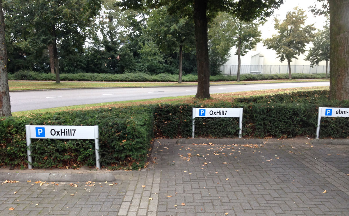 Signz-Belettering-Ebm-Papst-Bewegwijzering-003