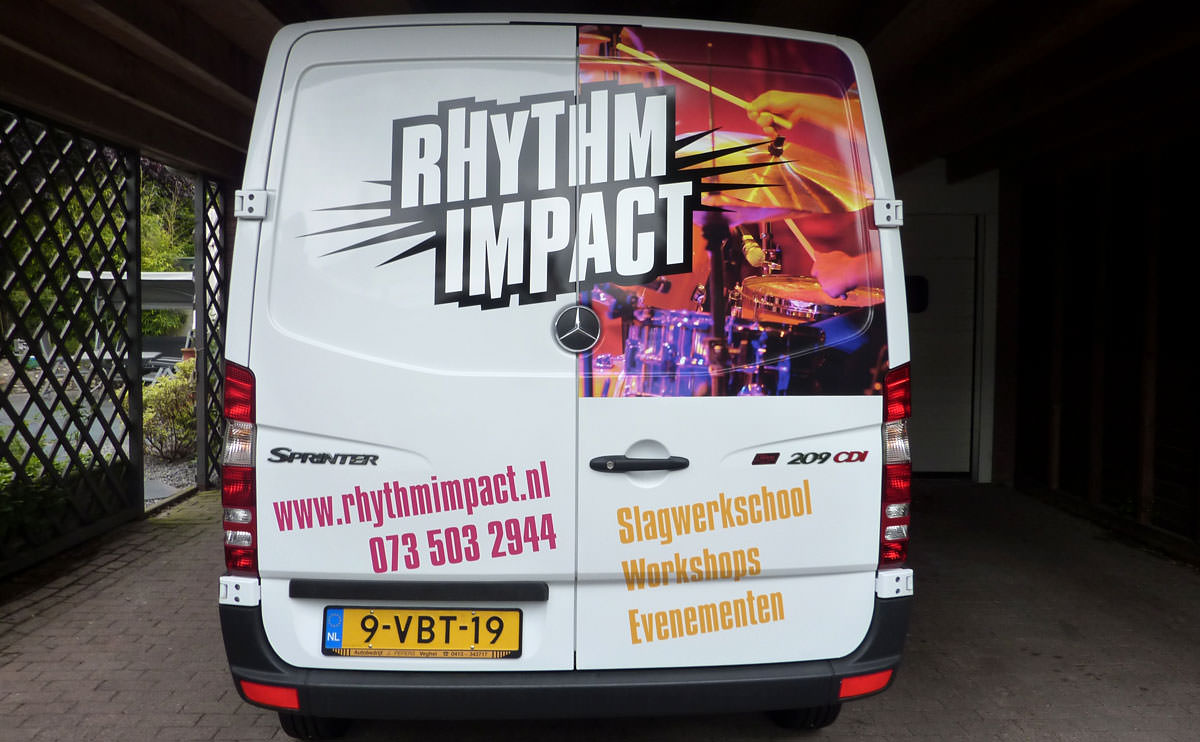 Signz-Belettering-Rhytm-Impact-Busbelettering-001